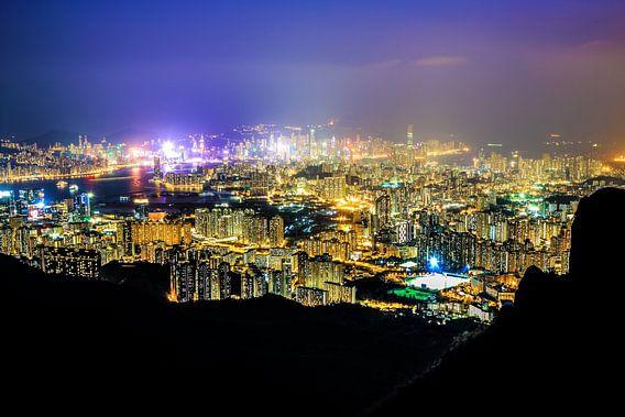 View from Kowloon Peak van Cho Tang