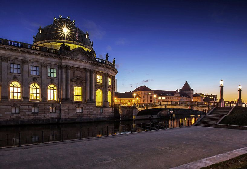 Bode-Museum Berlin à l'heure bleue sur Frank Herrmann