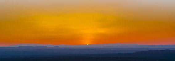 Zonsondergang bij Canyonlands Nationaal Park, Amerika van Rietje Bulthuis