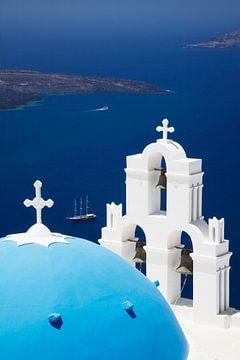 Kerk over de Egeïsche Zee, Santorini, Cycladen, Griekenland van Markus Lange