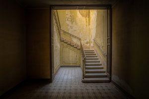 Treppenhaus in italienischer Villa (liegend) von Wesley Van Vijfeijken