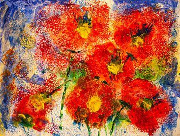 Rode bloemen tegen een blauwe achtergrond van Klaus Heidecker