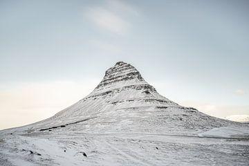Kirkjufell im Winter auf Island von road to aloha