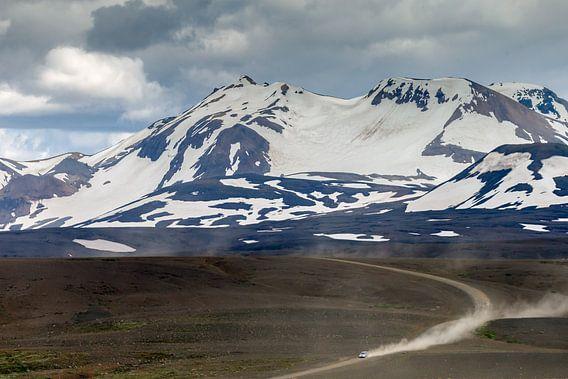 Stoffige weg in IJsland