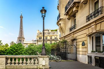 Charme parisien sur Melanie Viola