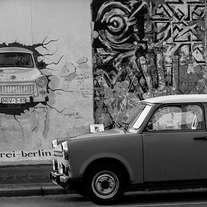 Een trabant voor de Berlijnse muur