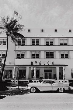 Miami Beach Ocean Drive Florida schwarz und weiß von Amber den Oudsten