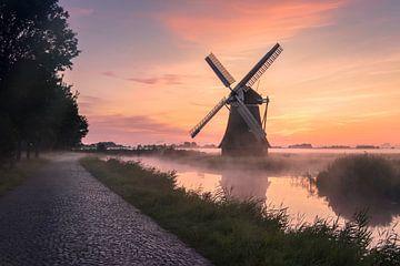 Crimp-Mühle im Nebel von Marga Vroom