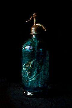Siphon bleu érodé sur Anouschka Hendriks