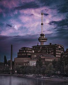 Euromast, de machinist spokerige paarse lucht van