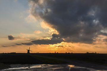 Windmolen silhouet / Windmill silhouette van Henk de Boer