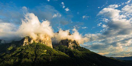 Sprookjesachtig uitzicht op de berg van