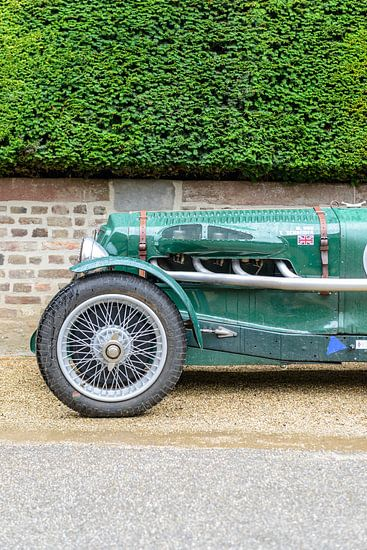 Alvis speed 25 Special Sport Britse 1936 sportwagen voorkant. van Sjoerd van der Wal