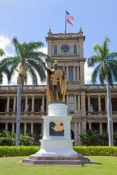 Koning Kamehameha-standbeeld voor het Hooggerechtshof van Hawaii - Honolulu (Oahu) van t.ART