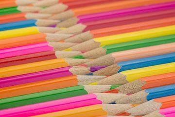Kleurpotloden als achtergrond foto von Tonko Oosterink