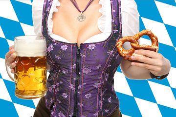 Oktoberfest mit Bier und Brezeln