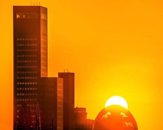 Skyline Leeuwarden oranje van Harrie Muis