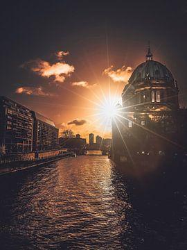 Sonnenstern von Iman Azizi