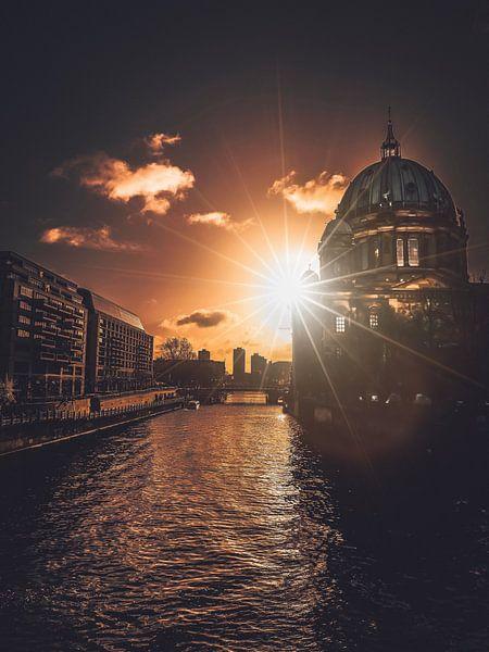 Sun Star van Iman Azizi