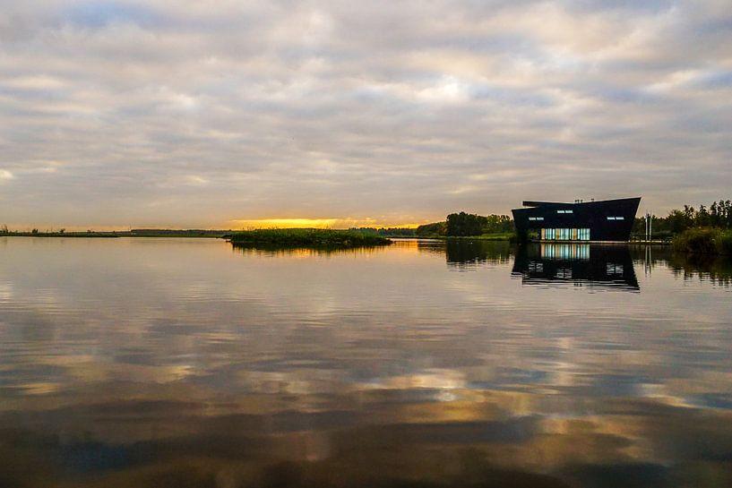 Zonsopkomst bij Natuurcentrum Oostvaardersplassen Almere van Arjan Schalken