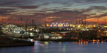 Panoramahaven bij nacht van Sabine Wagner