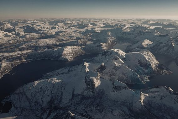 Vue aérienne sur le paysage d'hiver  dans le nord de la Norvège