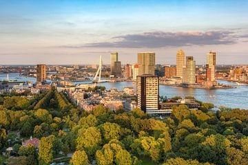 Avondzon in Rotterdam van Michael Valjak