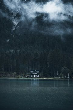 Regentag am Lago di Dobbiaco von Dylan Shu