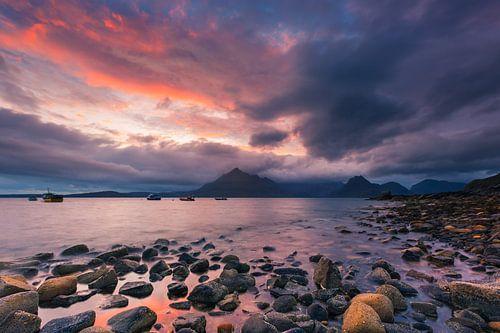 Sunset Elgol Beach, Scotland van Henk Meijer Photography