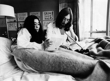 John Lennon und Yoko Ono im Bett von Bridgeman Images