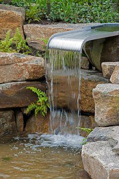 kleine waterval in de tuin van Compuinfoto .