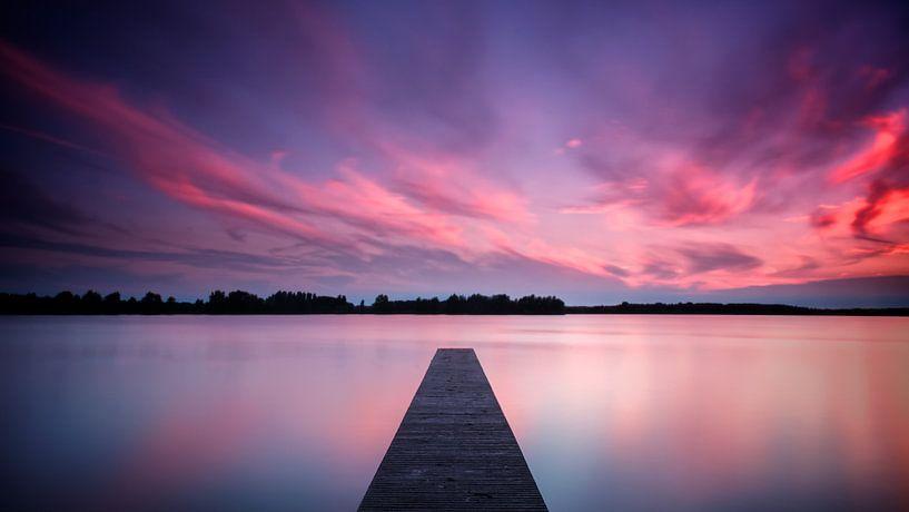 Milky Water Fiery Sky van Martijn van der Nat