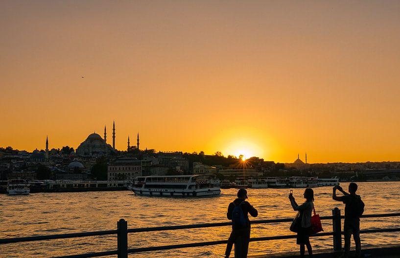 Zonsondergang Istanbul  van Ali Celik