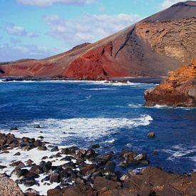 Vulkanen in oceaan van Inge Hogenbijl