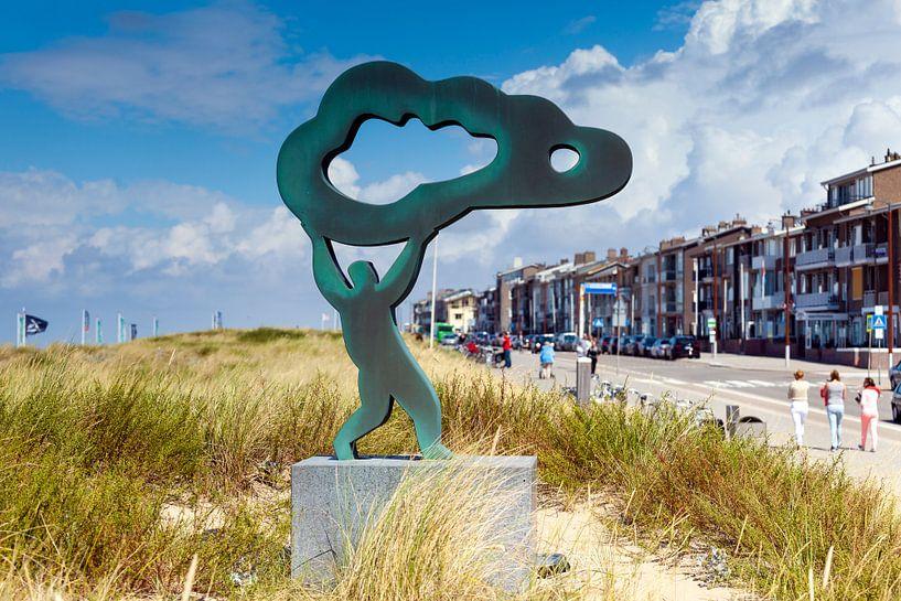Wolken en wind langs de strandboulevard van Katwijk aan Zee van Evert Jan Luchies