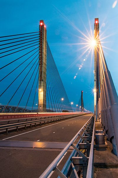 Sunny Bridge von Eric van Schaijk