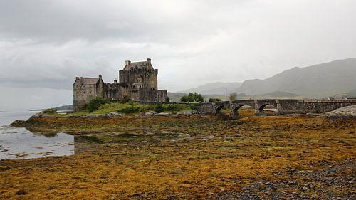 Kasteel in Schotland: 'Eilean Donan Castle' van Tineke Roosen