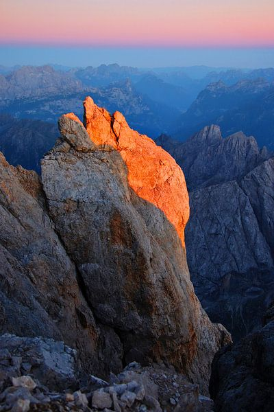 Alpenglow op de Marmolada -Trentino-Alto Adige - Italië van Felina Photography