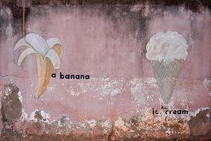 Banaan met ijsje van