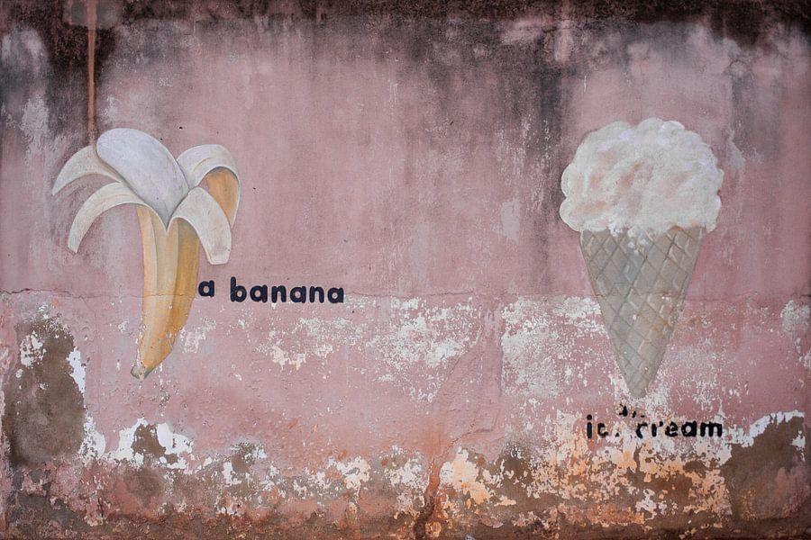 Banaan met ijsje van Leo Hoogendijk
