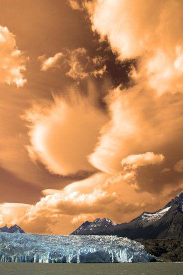Zonsondergang Grey gletsjer van Antwan Janssen