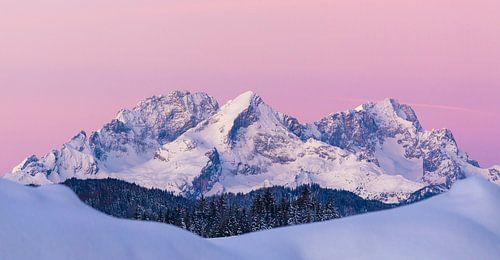 Morning glow on Wettersteingebirge
