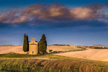 Kleine Kapelle in der Toaskana in Italien von Fine Art Fotografie