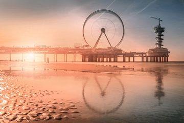 Zonsondergang bij de pier von Wesley Heyne