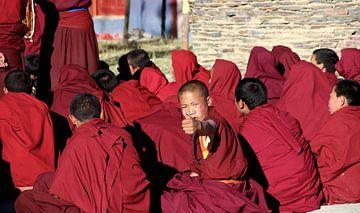 Tibetaanse monniken in Tibet. van laura van klooster