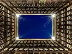 Hamburg - Chilehaus bei Nacht van