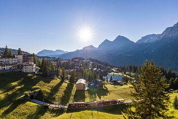 Rhätsche Bahn in Arosa in Zwitserland van Werner Dieterich