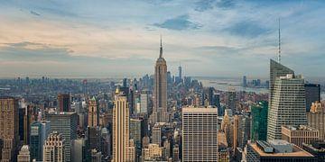 New York - Empire State Building in den frühen Morgenstunden  von Toon van den Einde