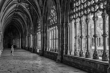 Kloostergang, Batalha, Portugal van Renate Oskam
