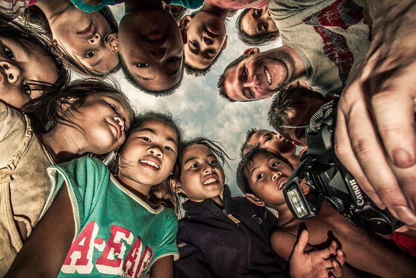 Kinder in Laos von Levent Weber